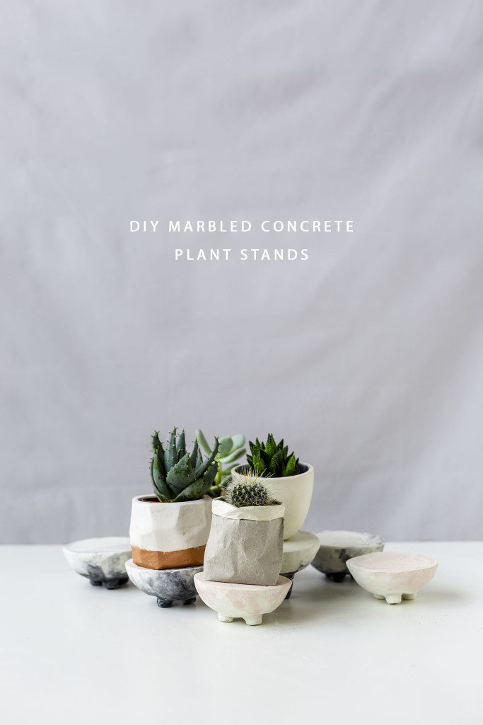 DIY concrete and cement gift ideas. DIY marbled concrete planter standt tutorial. Fall for DIY.