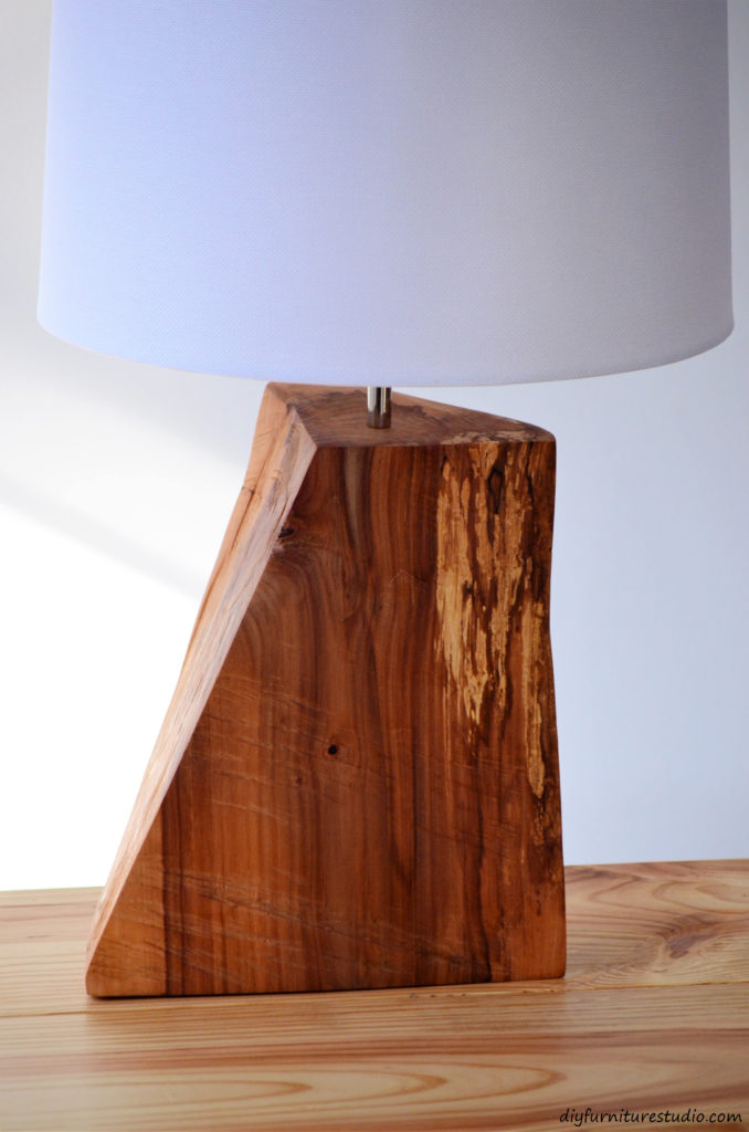 Table lamp tutorial. Natural wood. DIY.